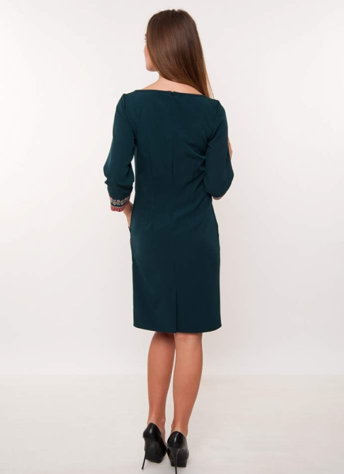 Зелене плаття футляр з вишивкою, арт. 4187