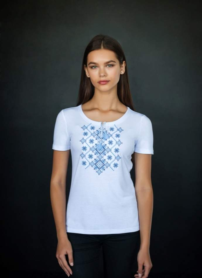 Біла футболка з вишивкою синього кольору, арт. 5128к.р.
