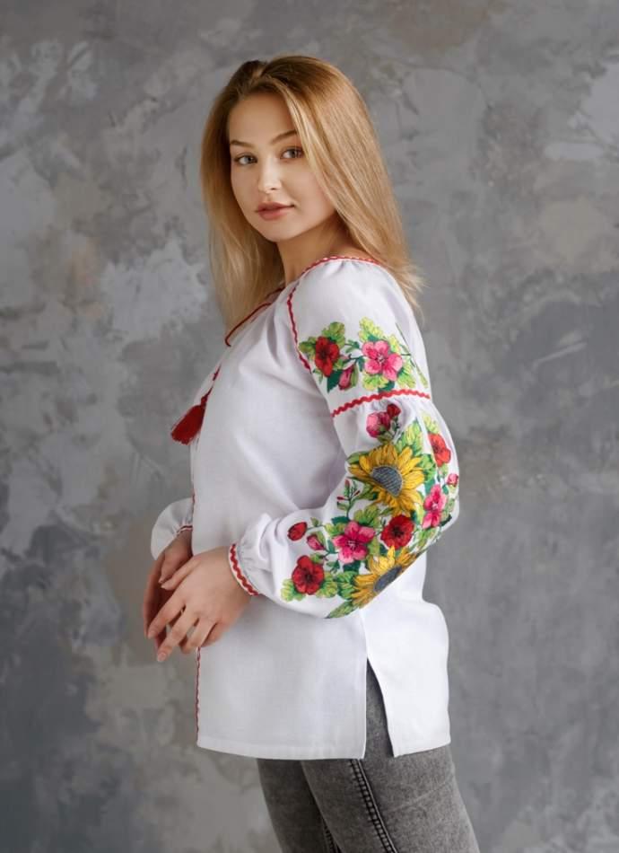 Біла сорочка з вишивкою (Соняхи), арт. 4558