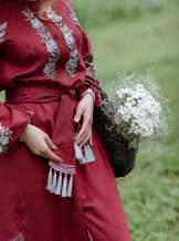 Платье вышиванка за колено (бордовое), арт. 4530миди