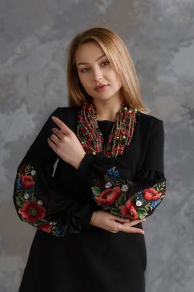 Молодежное платье с вышивкой черное, арт. 4525