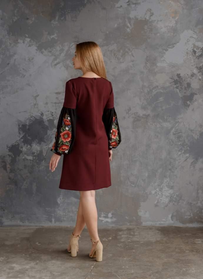 Молодежное платье с вышивкой бордовое, арт. 4528