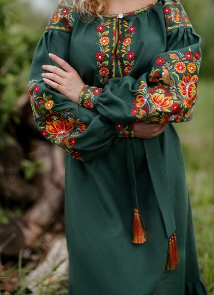Льняное платье с вышивкой (зеленое), арт. 4505