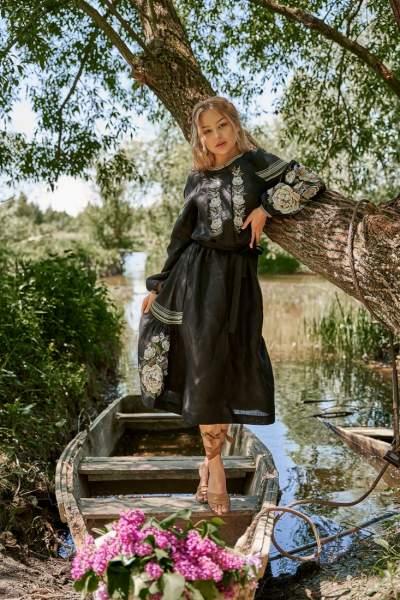 Платье вышиванка за колено (черное), арт. 4529-миди
