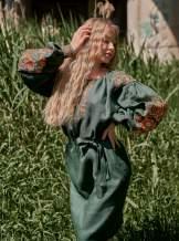 Льняное платье с вышивкой (зеленое), арт. 4505миди
