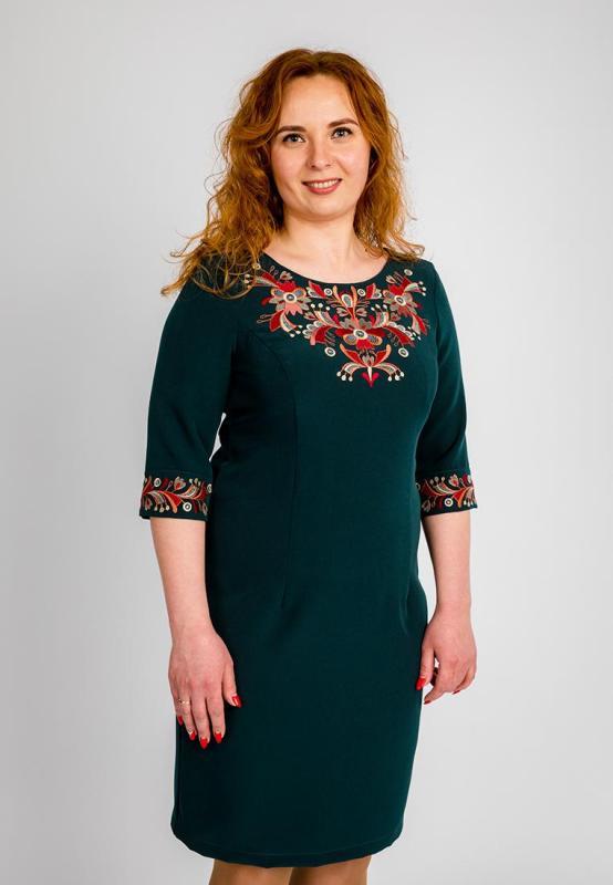 3b0a5334ab8d23 Плаття батал з вишивкою зелене. Вишита сукня великих розмірів