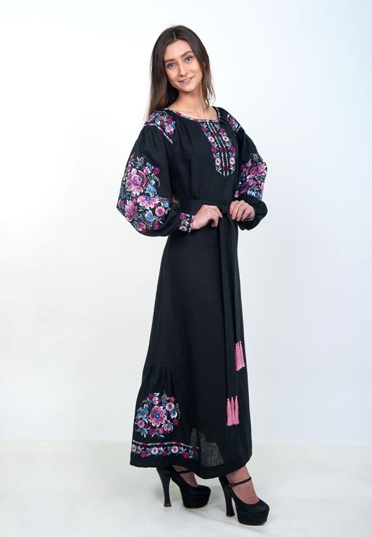 Довга чорна сукня з льону з квітковою вишивкою. вишиванки жіночі плаття  купити 5468b89ad5f4c